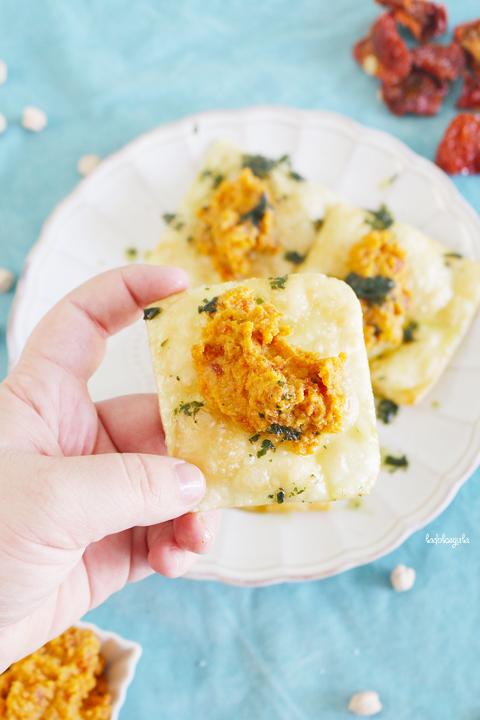 La Dolce Gula - Wontons Con Hummus De Tomates Secos 03