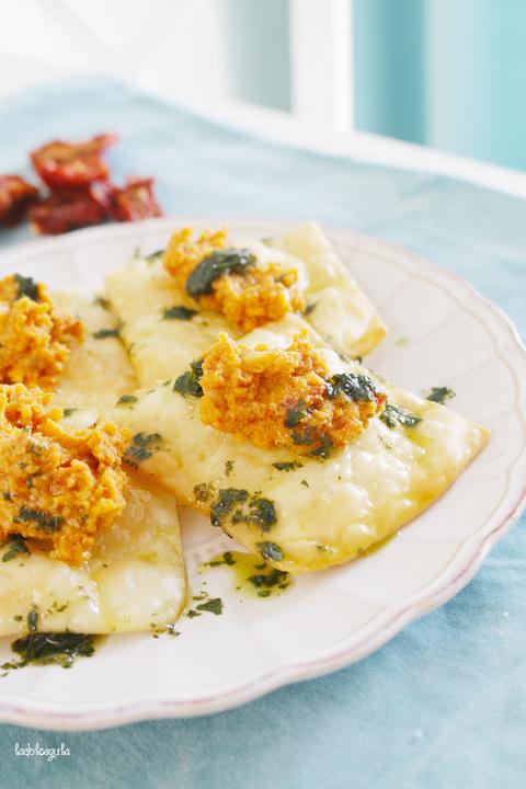 La Dolce Gula - Wontons Con Hummus De Tomates Secos 04