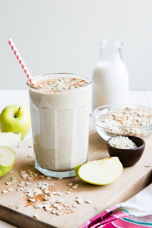 Apple-Oats-Breakfast-Smoothie