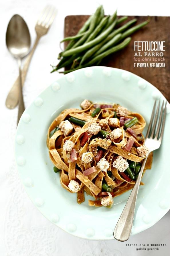 Fettuccine al farro con fagiolini spek e scamorza affumicata