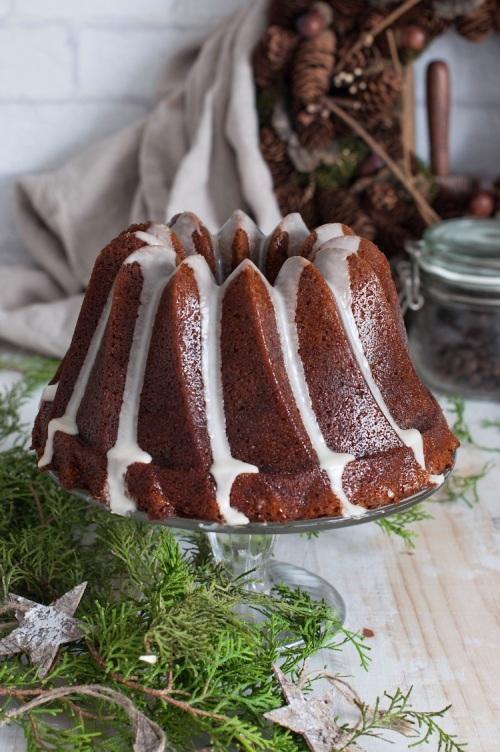 bundt-cake-de-cerveza-negra-y-miel-y-glaseado-de-mandarina